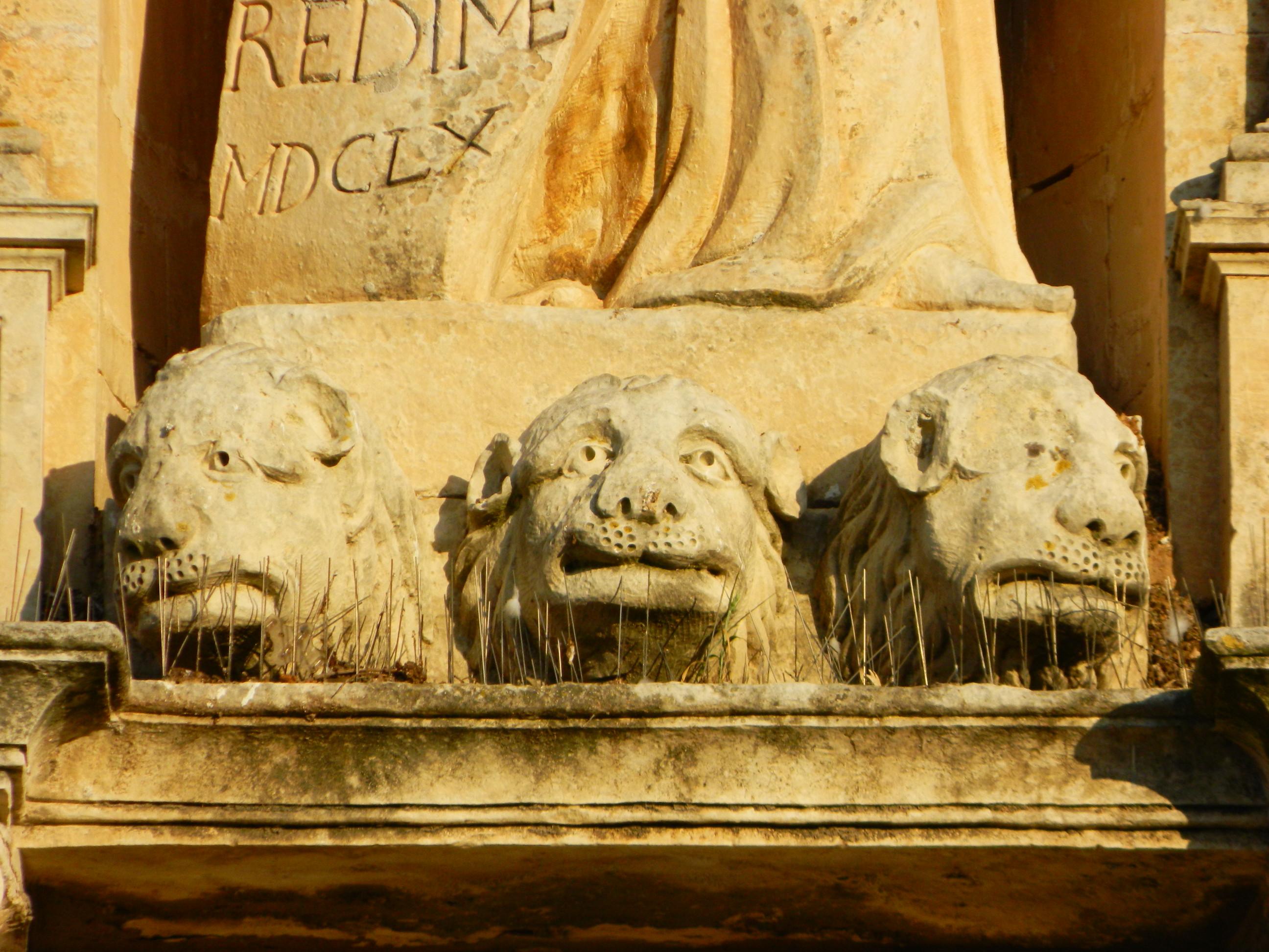 STREET SHRINES: The Statue of Daniel on Daniel'sHouse